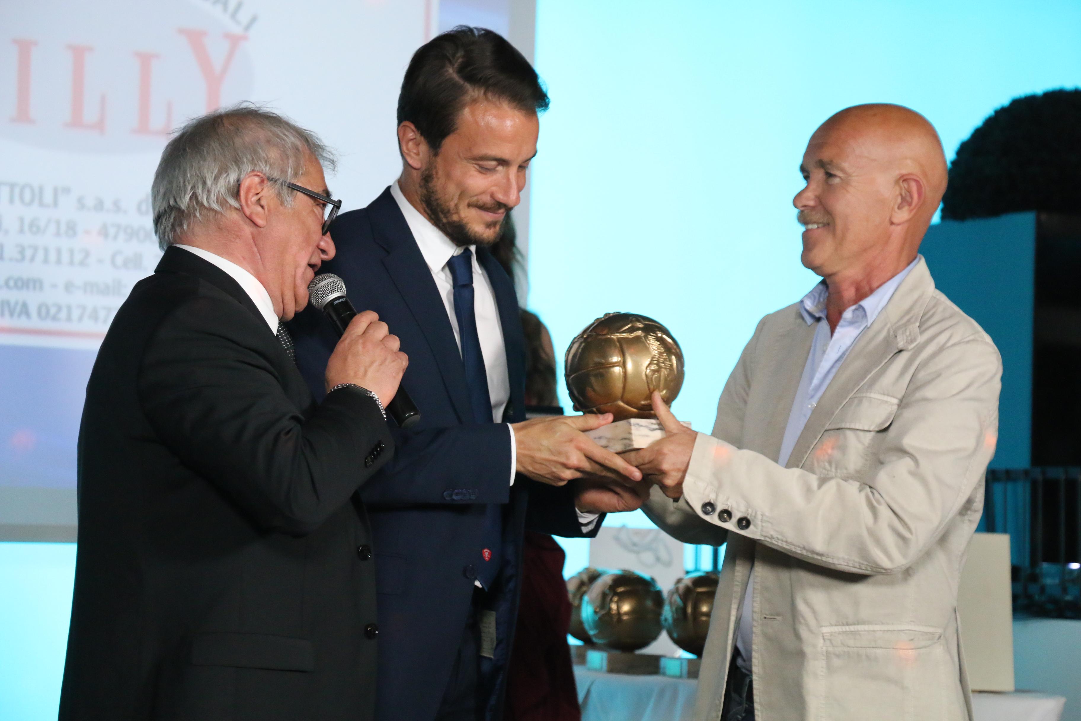 Gran gala' top 11 serie B . Tutta Italia della serie B parla della manifestazione riminese.