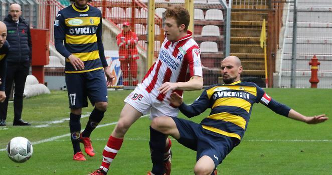 Santarcangelo penalizzato ed ora rischia grosso nei play-out contro il Vicenza.