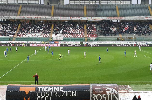 Colella ci mette del suo nella sconfitta dei biancorossi. Padova - Rimini 1 - 0