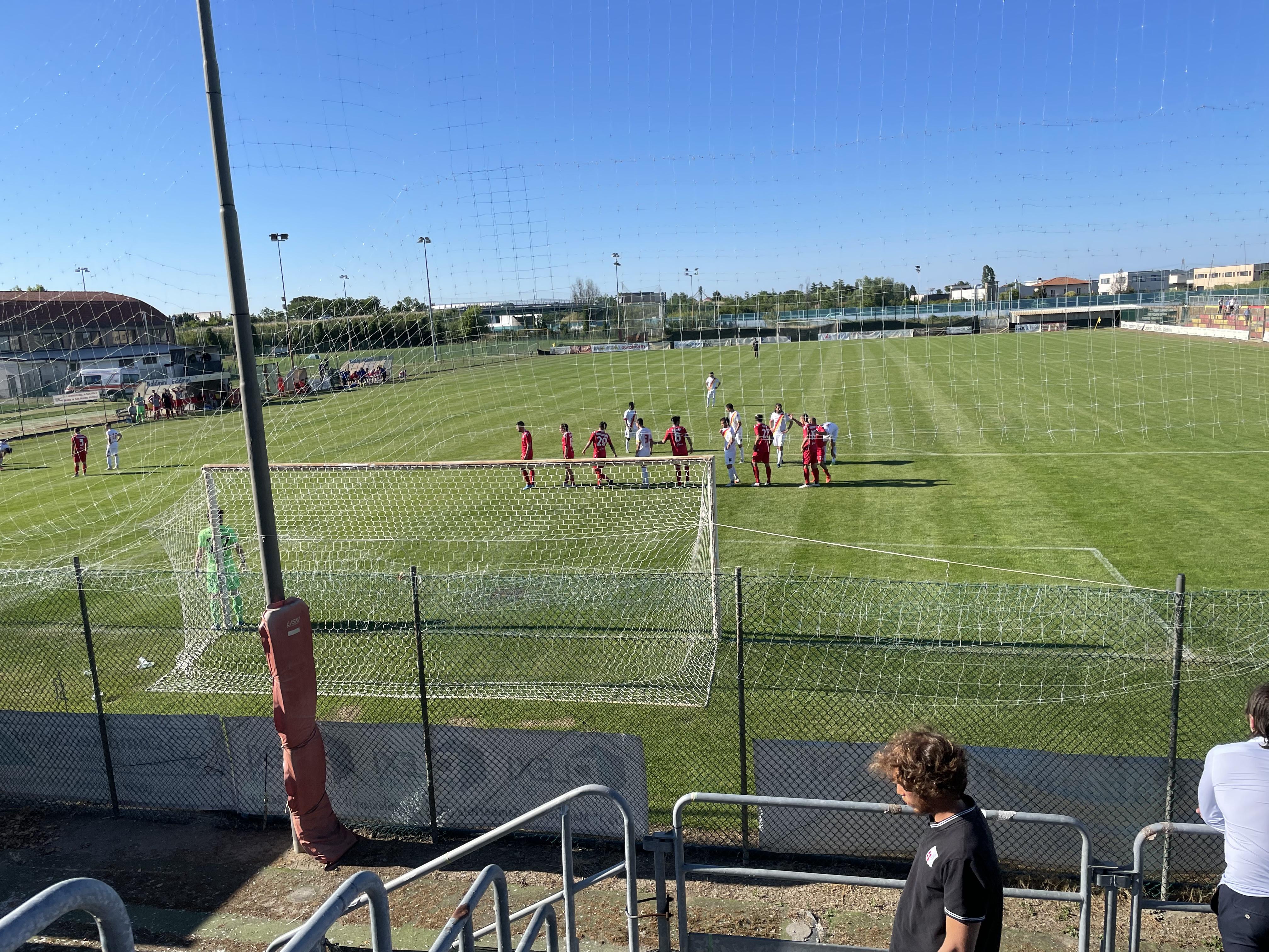 Il Rimini in 10 batte la Sammaurese 1-2